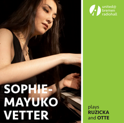 Sophie-Mayuko Vetter plays Ruzicka and Otte